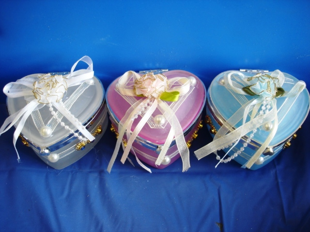 "3"" Heart Shaped Glass Favor Box W/ Bow"